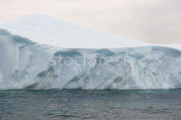 Pormenor icebergue belo ártico em torno de ilha Foto stock © Arrxxx