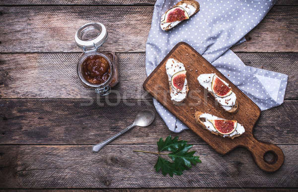 Jam bruschetta rustico stile colazione Foto d'archivio © Arsgera