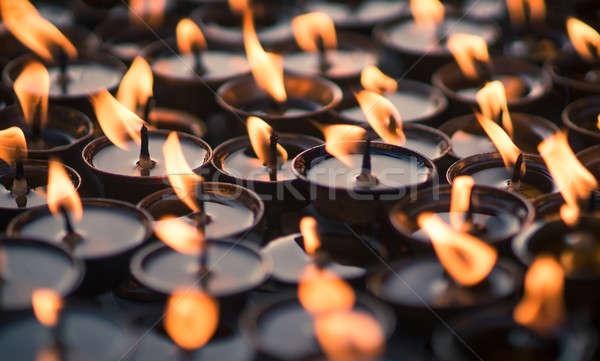Grupo velas budista templo capturar Foto stock © Arsgera