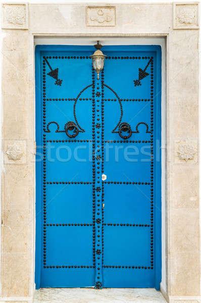 Azul porta Tunísia grande parede Foto stock © Arsgera