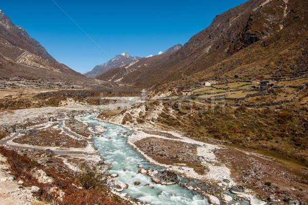 Aldeia rio himalaia ecologia Nepal neve Foto stock © Arsgera