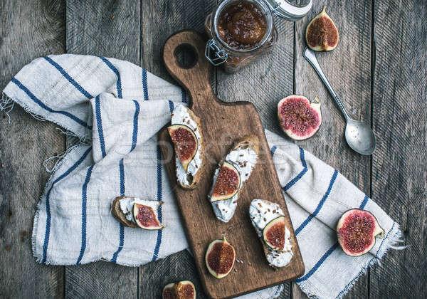 Rustico stile gustoso bruschetta jam tovagliolo Foto d'archivio © Arsgera