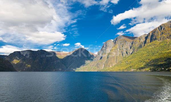 Norvég természet hegyek kék ég égbolt fa Stock fotó © Arsgera