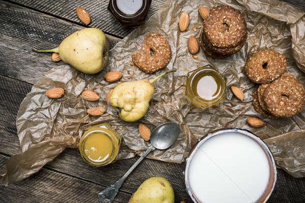 ストックフォト: おいしい · 梨 · ナッツ · クッキー · 素朴な · 木材