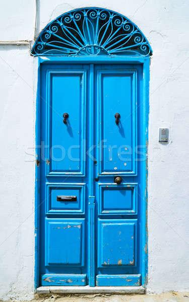 Azul porta estilo Tunísia grande Foto stock © Arsgera