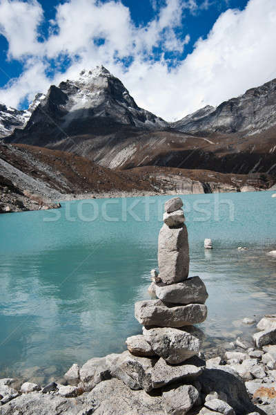Harmónia kő boglya szent tó utazás Stock fotó © Arsgera