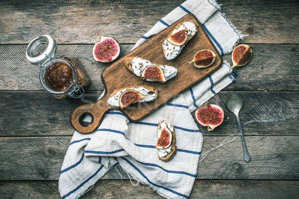 Rústico estilo bruschetta queso servilleta desayuno Foto stock © Arsgera