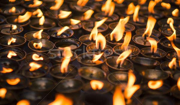 Stok fotoğraf: Büyük · bir · grup · mumlar · budist · tapınak · ele · geçirmek