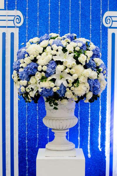 Mavi beyaz yeşil çiçekler seramik pot Stok fotoğraf © art9858