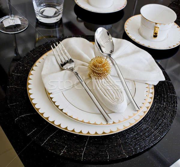 Luxus asztal hotel virág tányér ebéd Stock fotó © art9858