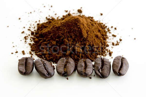 Koffiebonen geïsoleerd witte textuur hout koffie Stockfoto © art9858