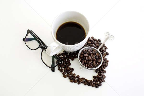 Kávéscsésze kávébab vonal szív alak szemüveg fehér Stock fotó © art9858