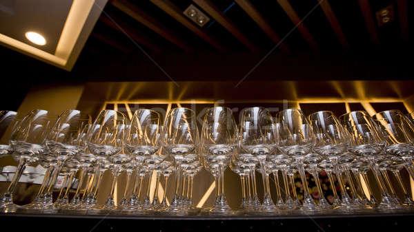 Rij wijnglazen wijn glas achtergrond drinken Stockfoto © art9858