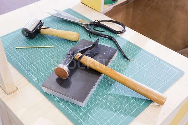 çalışma araçları ev arka plan bıçak çekiç Stok fotoğraf © art9858