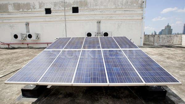 Energii ze źródeł odnawialnych świetle technologii dziedzinie energii Zdjęcia stock © art9858