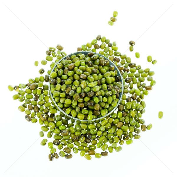 Groene bonen geïsoleerd witte achtergrond groene groep Stockfoto © art9858
