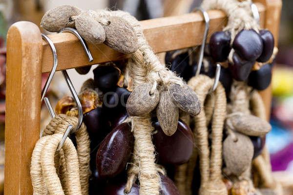 Pérolas colar mulher madeira moda Foto stock © art9858