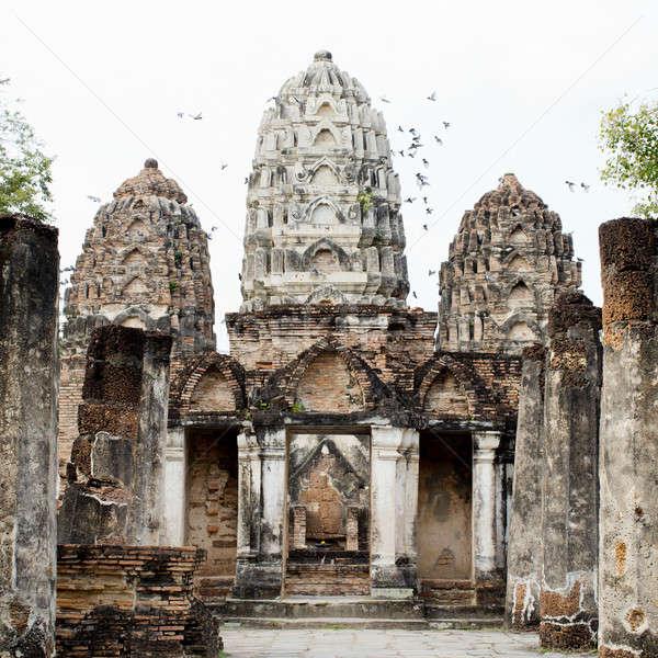 Buddha standbeeld tempel historisch park zonsopgang Stockfoto © art9858