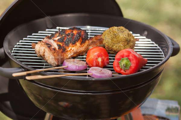 Fresco carne legumes ao ar livre grelha grelhado Foto stock © artfotodima