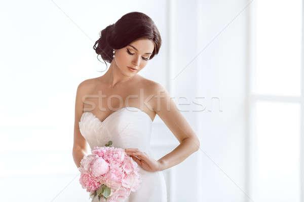 Belo noiva casamento penteado make-up luxo Foto stock © artfotodima