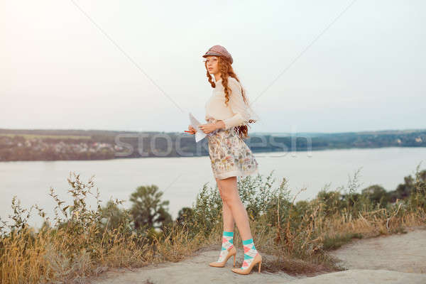 Student pisarz charakter kobieta myślenia patrząc Zdjęcia stock © artfotodima