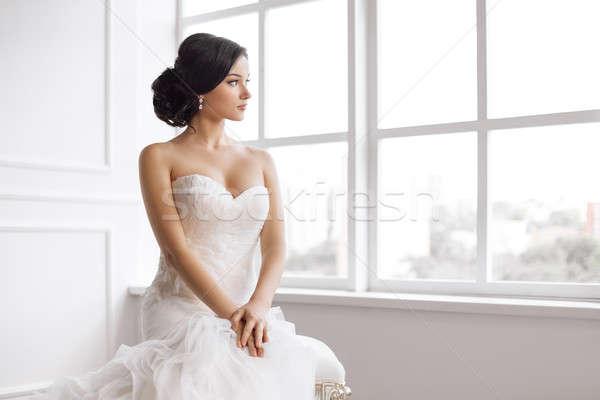 Gyönyörű menyasszony esküvő hajviselet smink luxus Stock fotó © artfotodima