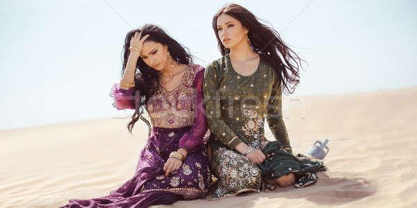 Sediento mujeres desierto perdido sed Foto stock © artfotodima