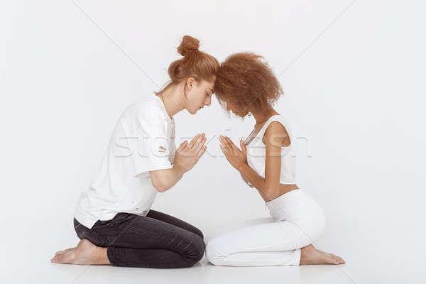 Jovem casal ioga Foto stock © artfotodima
