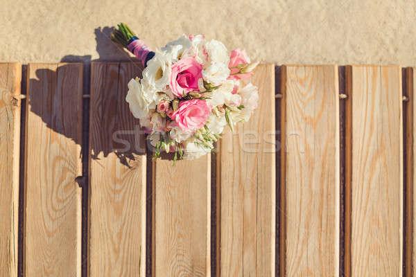 Bräute Bouquet tropischen Strand rosa weiß Verlegung Stock foto © artfotodima