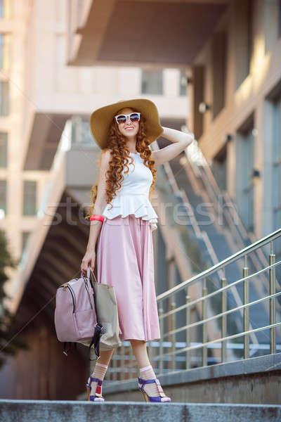 Belo urbano mulher menina moda mulher bonita Foto stock © artfotodima