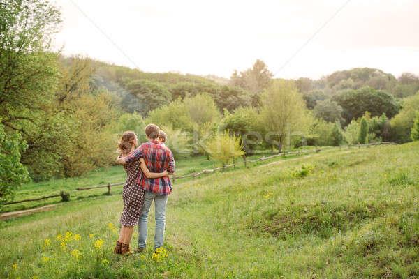 Lata rodziny spacer Fotografia młodych Zdjęcia stock © artfotodima