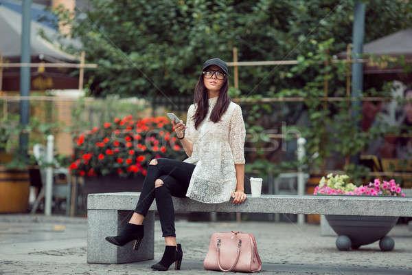 красивой азиатских смартфон город женщину Сток-фото © artfotodima