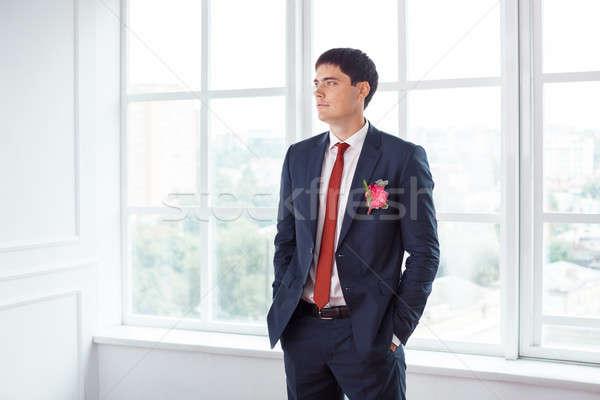 Bruidegom alleen prachtig glimlachend knappe man Stockfoto © artfotodima