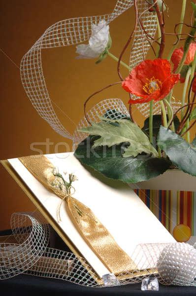 Művészet üdvözlőlap virágcsokor virágok asztal üres kártya Stock fotó © artfotoss
