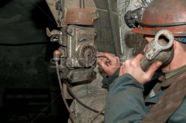 öreg telefon bánya párbeszéd épület űr Stock fotó © artfotoss