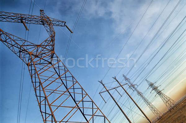Elektromos erő hasznosság pólus felhős égbolt Stock fotó © artfotoss