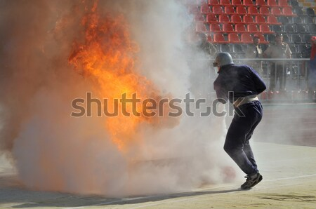 Demonstratie prestaties brandweerlieden stadion macht gas Stockfoto © artfotoss
