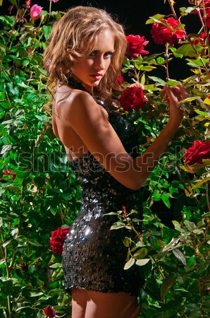 Mulher atraente em pé rosa mulher moda Foto stock © artfotoss