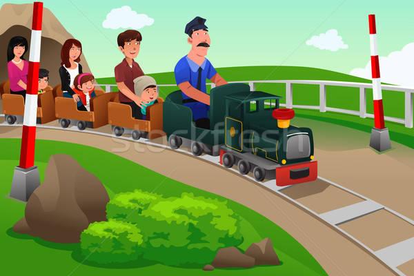 Stockfoto: Kinderen · ouders · paardrijden · klein · trein · pretpark