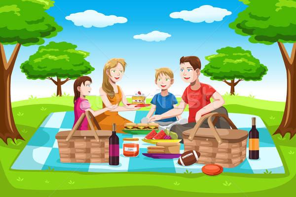 Boldog család piknik park férfi gyerekek ital Stock fotó © artisticco
