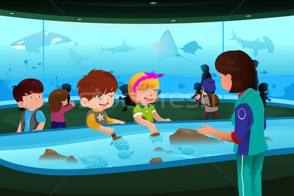 Dzieci wycieczka akwarium szkoły dzieci ryb Zdjęcia stock © artisticco
