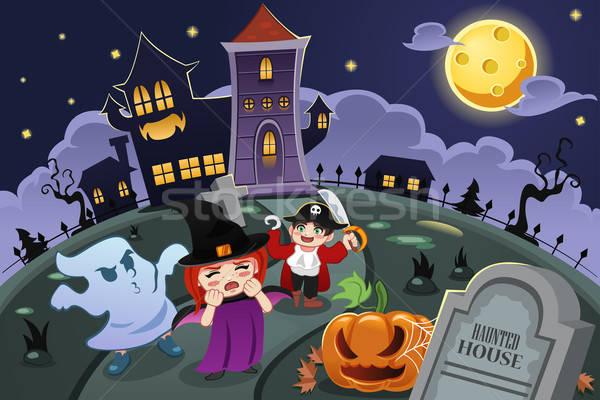 Stockfoto: Kinderen · halloween · kostuums · huis