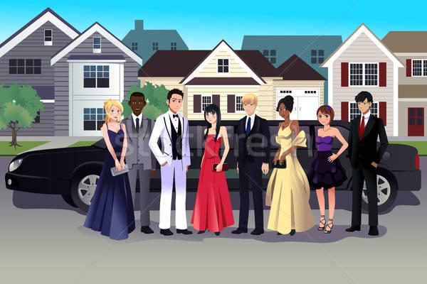 Adolescente prom vestir em pé longo homens Foto stock © artisticco