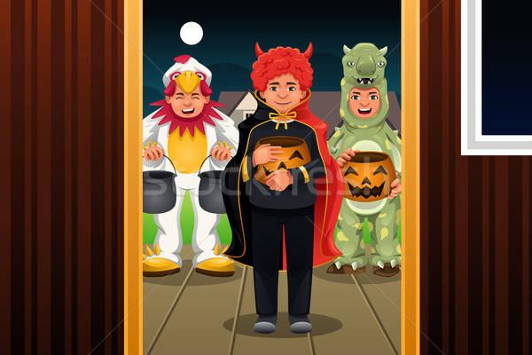 Mały dzieci halloween kostiumy na zewnątrz Zdjęcia stock © artisticco
