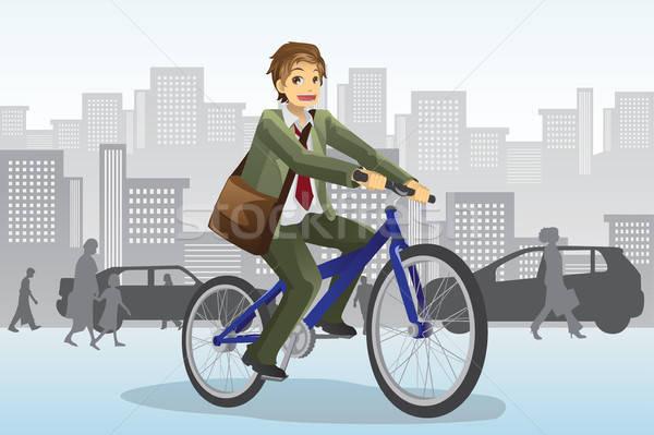 бизнесмен верховая езда велосипед толпа зданий городского Сток-фото © artisticco