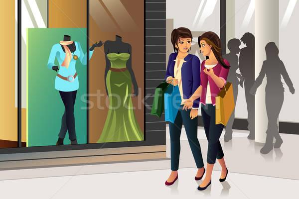 Vásárlás nők együtt lány mosoly divat Stock fotó © artisticco
