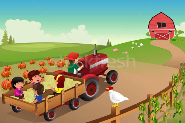 Dzieci gospodarstwa spadek sezonie uśmiech dzieci człowiek Zdjęcia stock © artisticco
