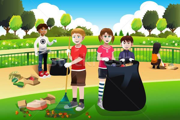 çocuklar gönüllü temizlik yukarı park çocuklar Stok fotoğraf © artisticco