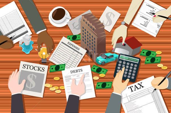 Emberek dolgoznak pénzügyi tervezés pénz ház férfi piac Stock fotó © artisticco