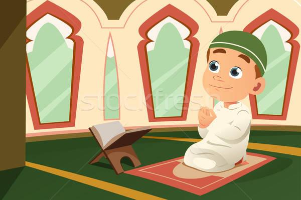 Müslüman çocuk dua eden cami erkek gençlik Stok fotoğraf © artisticco